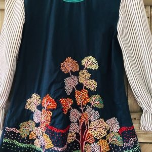 Tops - Gorgeous embroidered tunic!